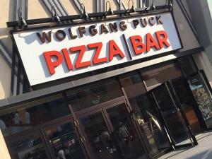 WOLFGANG PUCK PIZZA BAR(ウルフギャング・パック ピッツァバー