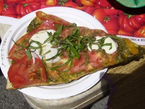 BIG WAVE TOMATOESトマトバジルピッツァ
